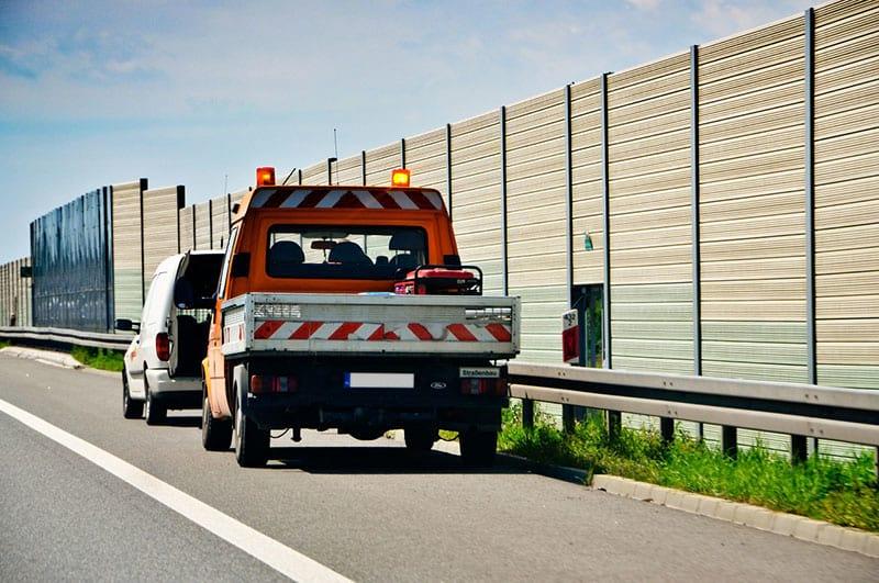 Carroattrezzi per auto in panne
